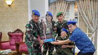 Danpomdam IV/Diponegoro mengunjungi Ayah Bupati Banjarnegara yang Ternyata Veteran PM. (Foto: Liputan6.com/Humas Pemkab Banjarnegara)
