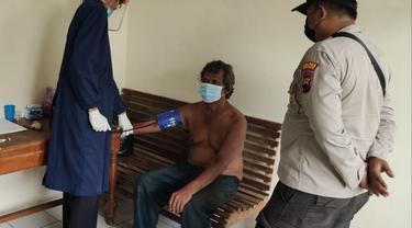 Seorang pria di Gombong, Kebumen, membacok tetangga korban karena mengaku mendapat bisikan Tuhan untuk menghabisi nyawa korban. (Foto: Liputan6.com/Humas Polres Kebumen)