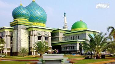 Taj Mahal menginspirasi pembangunan Masjid An-Nur di Pekanbaru, Riau.
