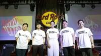 Yovie Widianto bersama para musisi meluncurkan 'Hatiku Indonesia'. (Fimela.com)