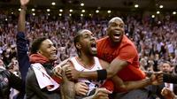 Selebrasi Kawhi Leonard setelah meloloskan Raptors ke final wilayah Timur NBA (AP)