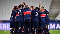 Para pemain Paris Saint-Germain (PSG) merayakan keberhasilan mereka menjadi juara Coupe de France 2020/2021 setelah menang 2-0 atas AS Monaco dalam partai final yang digelar di Stade de France, Kamis (20/5/2021) dini hari WIB. (FRANCK FIFE / AFP)