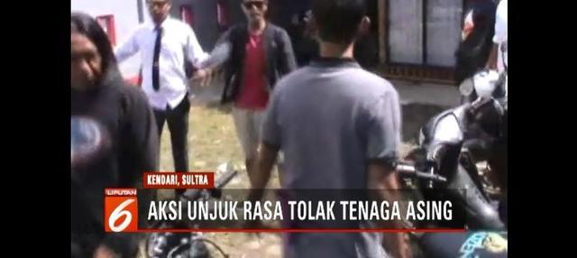 Unjuk rasa atas nama Pemuda Nusantara berujung ricuh. Mereka menolak adanya tenaga kerja asing di PT. Indonesia Morowali Industrial Park di Kendari.