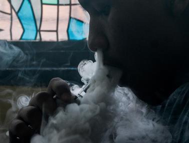 Filipina Akan Tangkap Pengguna Rokok Elektrik