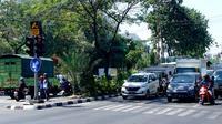 CCTV yang berfungsi untuk pemantauan (surveillance) berjumlah 612 yang tersebar di beberapa titik lalu lintas dan objek vital di Surabaya (Foto:Liputan6.com/Dian Kurniawan)