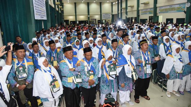 Arab Saudi Larang Jamaah Umrah Asal Indonesia, Agen Perjalanan Haji Panik -  Bisnis Liputan6.com