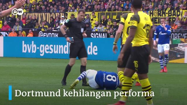 Berita video dua momen penting dan penuh drama ketika Borussia Dortmund dikalahkan Schalke 2-4 di Signal Iduna Park pada pekan ke-31 Bundesliga 2018-2019.