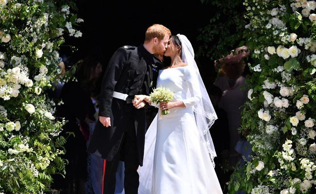 Gaun pengantin Meghan Markle/copyright Ben STANSALL/POOL/AFP