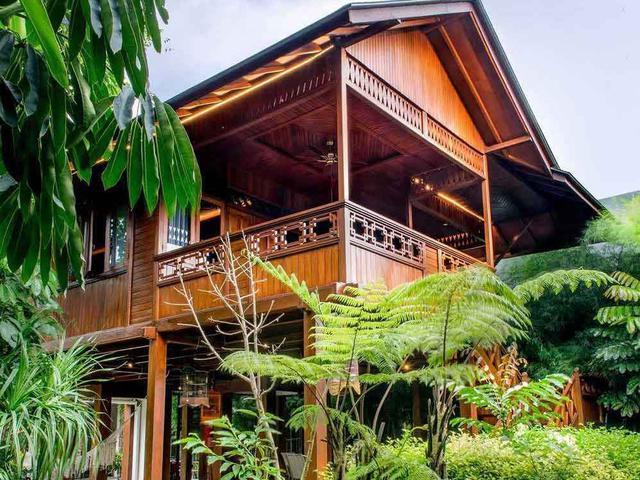 Rumah Panggung Berunsur Modern Nan Memukau Bikin Leyeh Leyeh Makin Nyaman Lifestyle Liputan6 Com