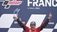 Ekspresi kegembiraan pembalap Ducati, Jack Miller, setelah menjuarai MotoGP Prancis di Sirkuit Le Mans, Minggu (16/5/2021). (JEAN-FRANCOIS MONIER / AFP)