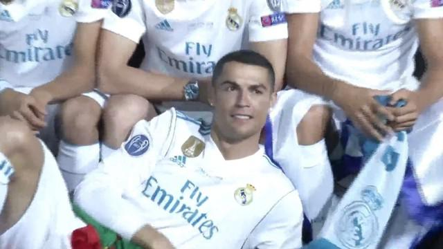 Puluhan ribu fans Real Madrid menginginkan Cristiano Ronaldo bertahan di Santiago Bernabeu. This video is presented by Ballball.