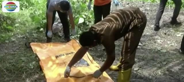 Jenazah wanita tanpa identitas pertama kali ditemukan oleh seorang karyawan perkebunan saat ia melakukan pengontrolan.