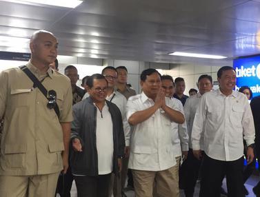 Prabowo Tiba di Stasiun MRT Lebak Bulus