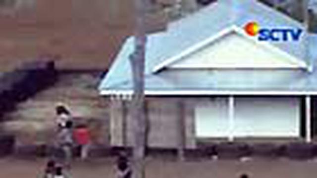 Sebanyak 7 mahasiswa dan 6 warga Kecamatan Talaga Raya, Kabupaten Buton, Sulawesi Tenggara, yang terlibat aksi unjuk rasa anarkis di areal tambang milik PT Arga Morini Indah ditahan polisi. Suasana gaduh terjadi saat mereka dievakuasi, Selasa (18/05), ke