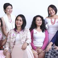 Masih ada harapan, itulah yang ingin disampaikan oleh perempuan-perempuan yang tergabung dalam komunitas Pink Shimmerinc. (Fimela.com/Adrian Putra)
