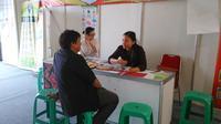 Memeringati Hari Kesehatan Nasional 2015, sejumlah industri kesehatan menawarkan skrining kesehatan gratis di Hall C Kemayoran, Jakarta.