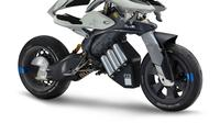 Yamaha MOTOROiD dilengkapi kecerdasan buatan.(Visordown)
