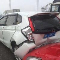 Kondisi mobil setelah kecelakaan, tapi pemiliknya nggak jadi marah. (Sumber Foto: viral4real)