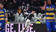 Striker Juventus Cristiano Ronaldo saat melawan Parma (MARCO BERTORELLO / AFP)