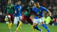 Timnas Brasil bersua Kamerun dalam laga persahabatan di Stadium mk, Milton Keynes, Selasa (20/11/2018). (AFP/Glyn Kirk)