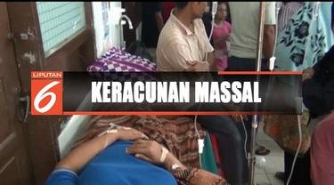 Puluhan warga ini keracunan makanan usai mengikuti kegiataan wirid yasinan di rumah salah satu warga.