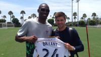 Gerrard Bersama Kobe Bryant (Twitter)