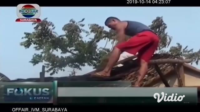 Informasi berikut patut menjadi perhatian. Diduga lupa mematikan kompor saat pergi usai memasak, 2 rumah warga di Kabupaten Jombang, Jawa Timur, ludes di lalap api.