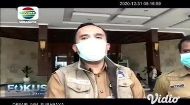 Bupati Gresik, Sambari Halim Radianto terpapar Covid-19 setelah menjalani tes PCR di RSUD Ibnu Sina Gresik. Saat ini Bupati menjalani perawatan dan isolasi di salah satu rumah sakit di Surabaya.
