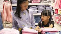Matahari Department Store berkolaborasi dengan Naura dan Neona untuk mengeluarkan beberapa koleksi busana anak. Sumber foto: PR Ogilvy.