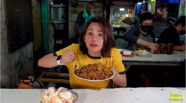 Ada Nasi Goreng Rp100 Ribu di Warung Pinggir Jalan, Apa Istimewanya?