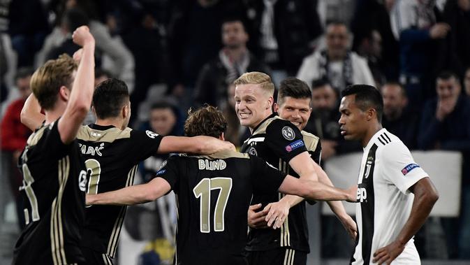 Ajax menang 2-1 atas Juventus pada leg II perempat final Liga Champions 2018-2019 di Allianz Stadium, Selasa (16/4/2019). (AFP/Filippo MONTEFORTE)