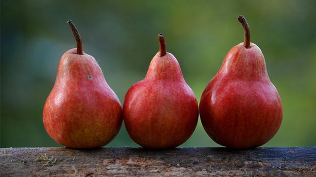 Kaya Vitamin, Pir Merah Bantu Jaga Kecantikan Kulitmu