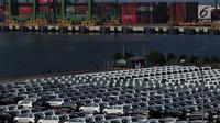 Ratusan Mobil yang siap diekspor terparkir di IPC Car Terminal, PT IKT, Pelabuhan Tanjung Priok, Jakarta, Kamis (11/7/2019). Kemenperin menargetkan ekspor mobil dari Indonesia mencapai 450 ribu unit pada tahun 2019. (Liputan6.com/Johan Tallo)