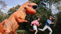 Konsep foto dari film Jurassic Park. (Sumber Foto: Bored Panda)
