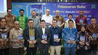 "Duta Besar Indonesia untuk Ukraina, Georgia dan Armendia, Yuddy Chrisnandi meluncurkan buku karyanya yang berjudul ""Dari Kyiv Menulis Indonesia"". (Istimewa)"