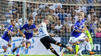 Inter Milan memastikan kemenangan atas Sampdoria berkat gol pada masa injury time babak kedua. (Simone Arveda/ANSA via AP)