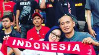 Legenda sepak bola Indonesia, Kurniawan Dwi Julianto, menyempatkan diri untuk menonton langsung pertandingan antara timnas Indonesia U-22 melawan Thailand U-22 di Stadion Shah Alam, Selangor, Selasa (15/8/2017). (Instagram/@kurniawanqana)