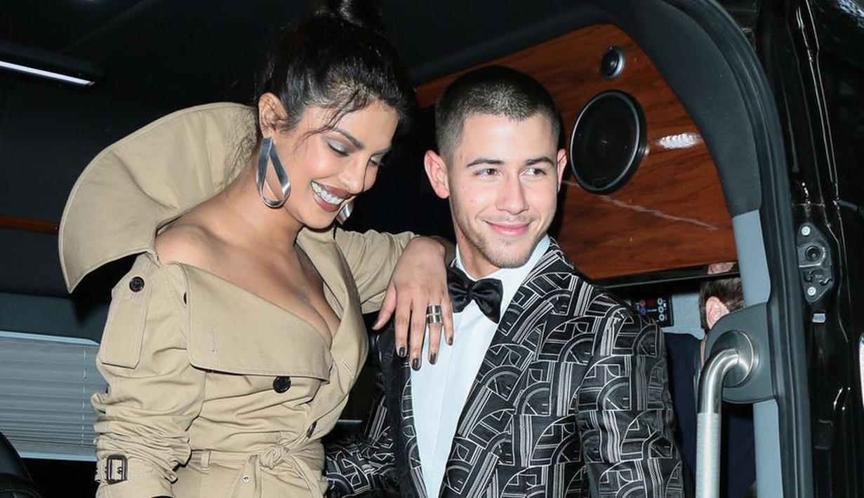 Nick Jonas dan Priyanka Chopra sudah berpacaran dari akhir tahun 2017. (Getty Images/Cosmopolitan)