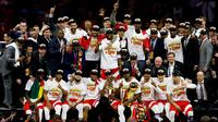 Para pebasket Toronto Raptors merayakan kemenangan sekaligus gelar juara NBA pertama mereka pada musim 2018-2019. (Getty Images/AFP/Lachlan Cunningham)