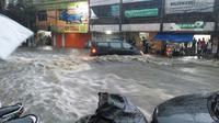 Banjir bandang Bandung terparah berlokasi di Pagarsih. (Liputan6.com/Kukuh Saokani)