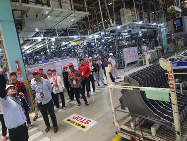 Melihat Langsung Pembuatan Mobil Toyota, Mahasiswa dan Blogger Kunjungi Pabrik