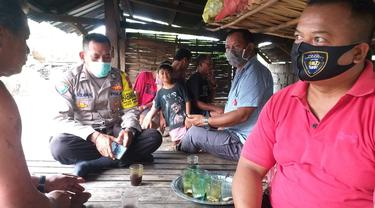 Saat Petugas Kepolisian datang ke Rumah Korban Keracunan Ikan Buntal