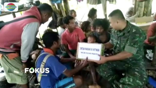 Suku Mausu Ane di Maluku Tengah yang kelaparan hingga menewaskan tiga orang, dapat kiriman bantuan makanan dari TNI.