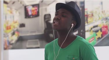 Simak Serunya Warga Negara Asing Fasih Menyanyikan Lagu RAN