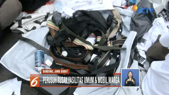 Kapolri Jendral Tito Karnavian mengatakan massa anarkis saat Hari Buruh di Bandung merupakan anggota Anarcho Syndicalism.