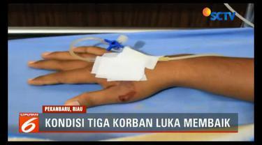 Tiga korban luka-luka akibat serangan di Mapolda Riau masih dirawat intensif di Rumah Sakit Bhayangkara Polda Riau, Pekanbaru.