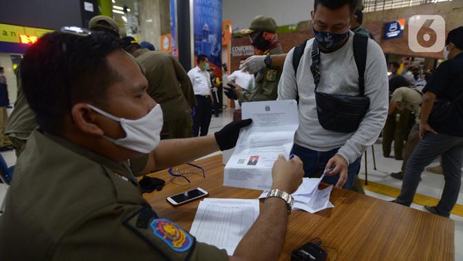 28 Pemudik Balik Tanpa SIKM di Duren Tiga Jaksel Diisolasi, Rumah Ditempel Stiker