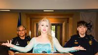 Dituduh Sebarkan Cuaca Dingin, Elsa Frozen `Ditangkap` Polisi Amerika