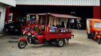 Viar Motor Indonesia (VMI) menghadirkan terobosan baru untuk menunjang perkembangan bisnis usaha kecil menengah (UKM) melalui layanan rental khusus kendaraan niaga roda tiga. (Viar)