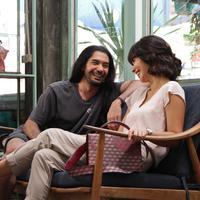 Reza Rahadian dan Marsha Timothy di film Toko Barang Mantan (Istimewa)
